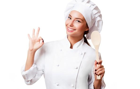 Картинка улыбка, макияж, ложка, белый фон, повар, шатенка, красотка, жест, в белом, униформа, халат, колпак