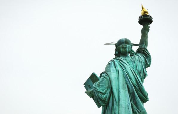 Картинка зад, факел, статуя свободы, вид сзади, back, torch, back view, The Statue of Liberty