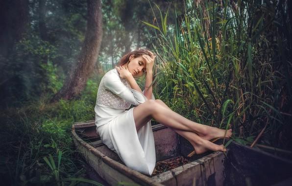 Картинка девушка, поза, настроение, ноги, лодка, платье, камыш, Andrew Oksamyt