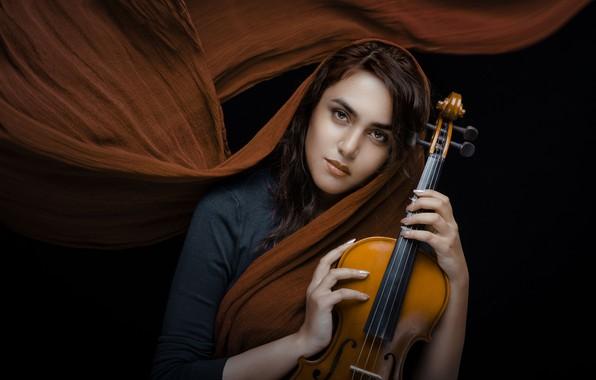 Картинка взгляд, девушка, настроение, скрипка, чёрный фон, шаль, Shima Yadollahi
