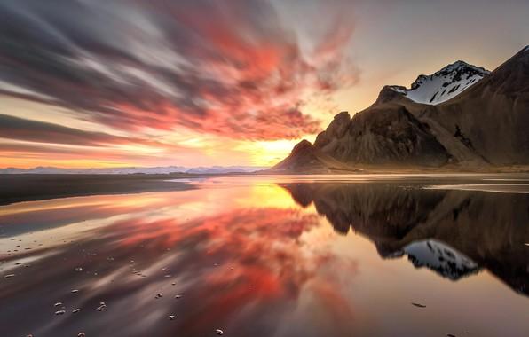 Картинка пляж, вода, облака, горы, гладь, отражение, вечер