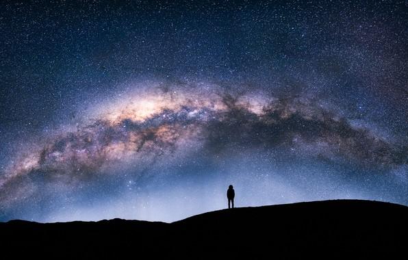 Картинка небо, звезды, ночь, человек, силуэт, млечный путь