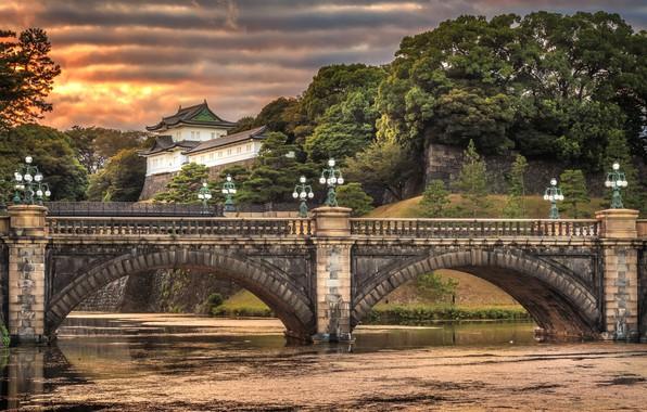 Картинка небо, облака, деревья, закат, мост, река, вечер, Япония, Токио, фонари, Japan, дворец, Imperial Palace, Nijubashi …