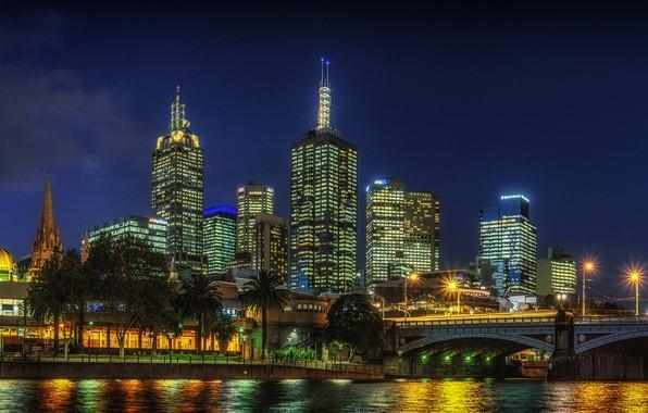 Картинка небо, деревья, ночь, мост, огни, река, пальмы, здания, дома, звёзды, Австралия, фонари, набережная, Мельбурн