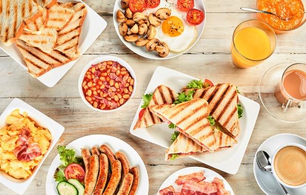 Картинка сосиски, кофе, завтрак, сок, яичница, сэндвич, бекон