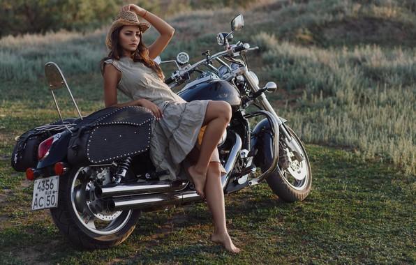 Картинка девушка, поза, шляпа, платье, мотоцикл, байк, Леонид Мочульский