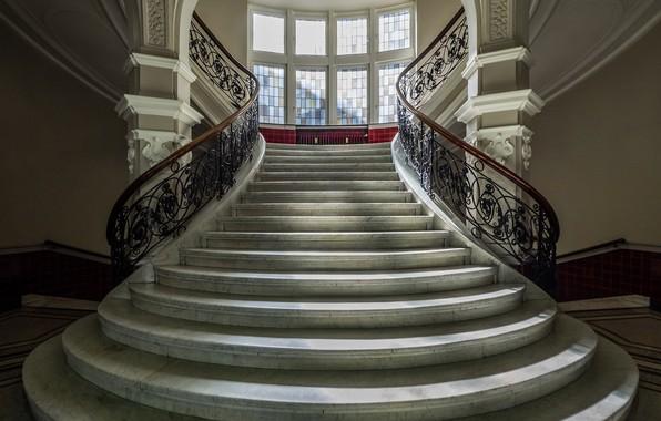 Картинка здание, окно, лестница, перила, ступени