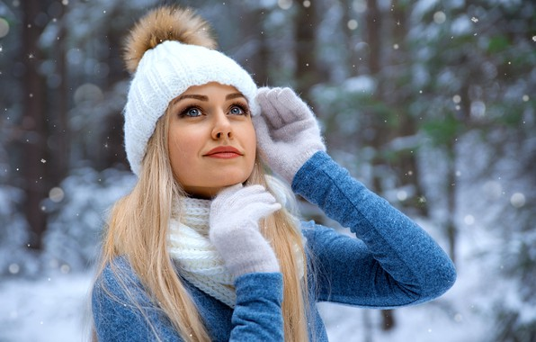 Картинка girl, Model, long hair, photo, blue eyes, winter, snow, bokeh, lips, face, blonde, snowfall, smiling, …