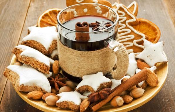 Картинка орешки, палочки корицы, Рождественский напиток, имбирные пряники