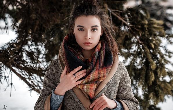 Картинка зима, взгляд, девушка, снег, шарф, фотограф, платок, Model, пальто, боке, Andrey Vechkenzin, Regina Gumerova