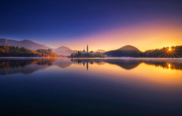 Картинка закат, озеро, отражение, Словения, Lake Bled, Slovenia, Бледское озеро, Блед, Bled, Юлийские Альпы, Julian Alps