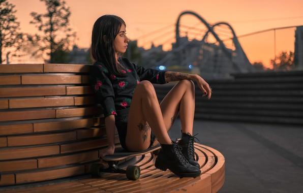 Картинка девушка, поза, настроение, ноги, вечер, ботинки, тату, доска, скейтборд, Денис Антипин