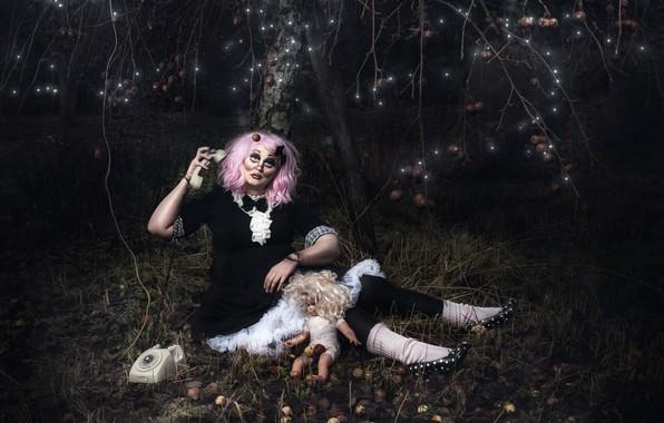 Картинка женщина, яблоки, кукла, телефон