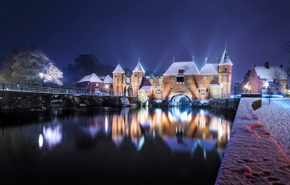 Картинка зима, мост, отражение, река, замок, ворота, Нидерланды, ночной город, набережная, Netherlands, Коппельпорт, Amersfoort, Koppelpoort, Eem …