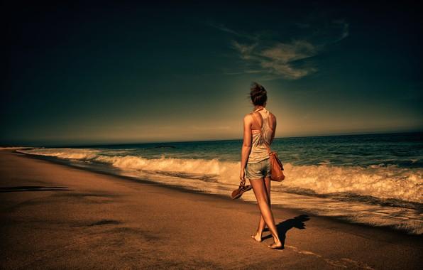 Картинка море, девушка, побережье, спина, сумка