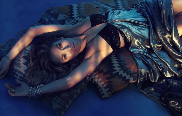 Картинка лежит, певица, Jennifer Lopez, занменитость