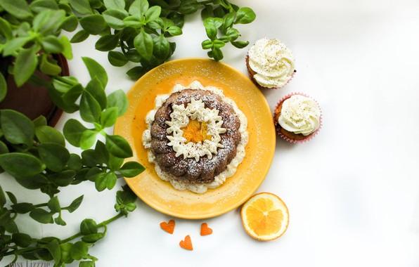 Картинка цветок, апельсин, тарелка, цитрус, корица, cake, крем, winter, orange, кекс, кексы, cinnamon, spicy, пряный