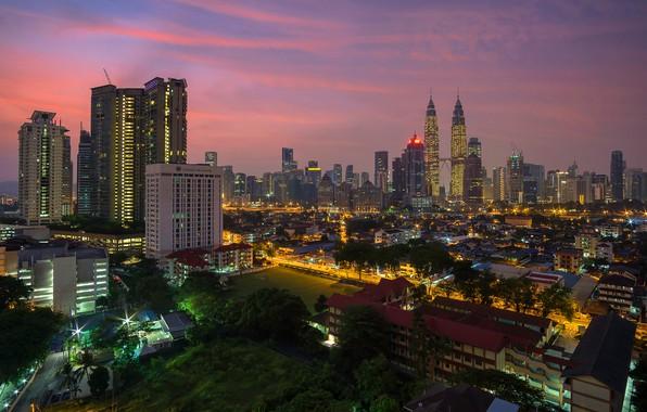 Картинка небо, деревья, закат, огни, дома, вечер, Малайзия, Куала-Лумпур