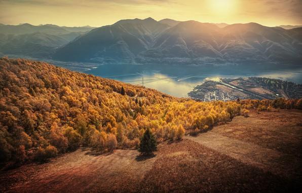 Картинка осень, лес, закат, горы, озеро, Швейцария, Альпы, панорама, Switzerland, Alps, Lake Maggiore, Тичино, озеро Лаго-Маджоре, …