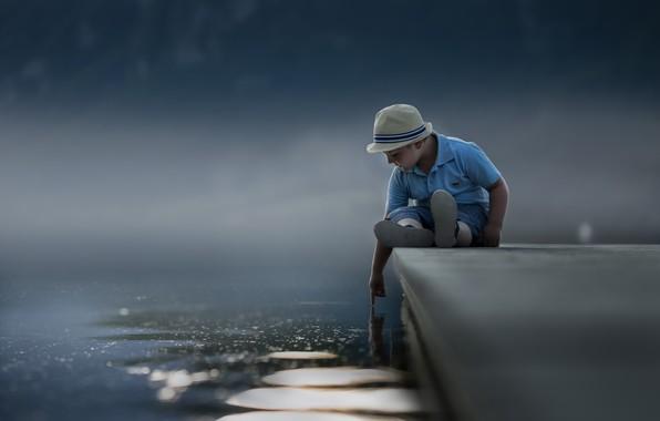 Картинка детство, мальчик, причал, touch the sky