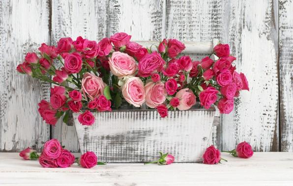 Картинка доски, розы, ящик