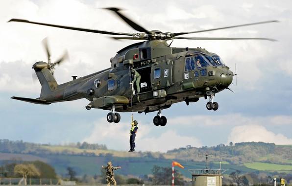 Картинка gun, soldier, sky, weapon, cloud, helicopter, rifle, helmet, uniform, seifuku, Royal Navy, Merlin, kumo, AgustaWestland …