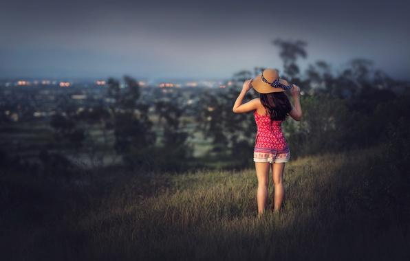 Картинка девушка, город, вид, шляпа, Edie Layland
