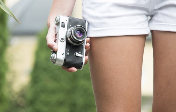Картинка лето, стиль, фото, ноги, шорты, фотоаппарат, объектив, линза, summer, shorts, style, photo, camera, lens, lenses, …