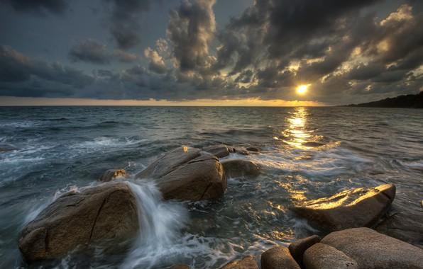 Картинка песок, море, волны, пляж, лето, небо, закат, камни, скалы, берег, summer, beach, sky, sea, sunset, ...
