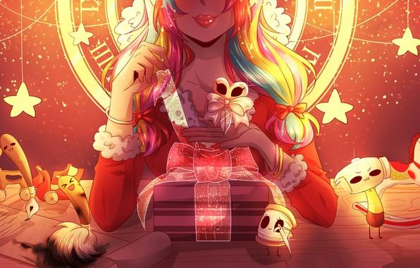 Картинка девушка, улыбка, сияние, подарок, магия, игрушки, руки, губы, рыжая, циферблат, бант, кисть, звездочки, art, на …
