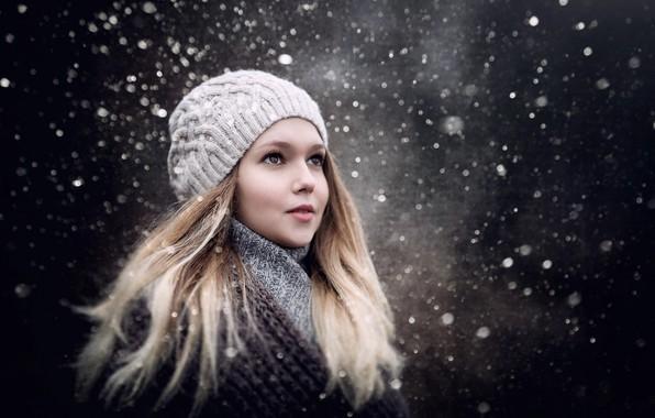 na-snegu-devki-v-kolgotkah-foto