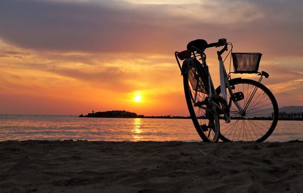 Картинка море, пляж, велосипед, вечер