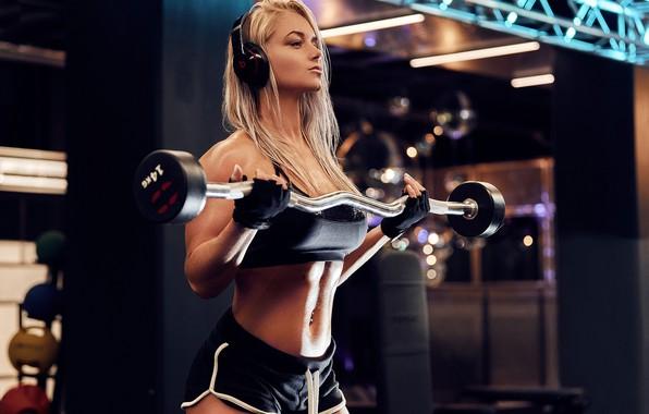 Картинка sport, girl, headphones, model, blonde, fitness, gloves, gym, fitness model, dumbbells, Workout, short shorts, barbell, …