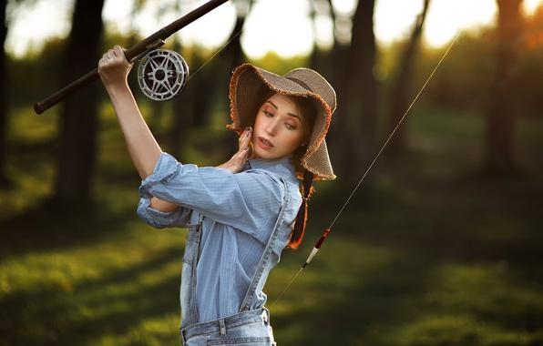 Фото обои рыбак, поплавок, девушка, удочка, шляпа