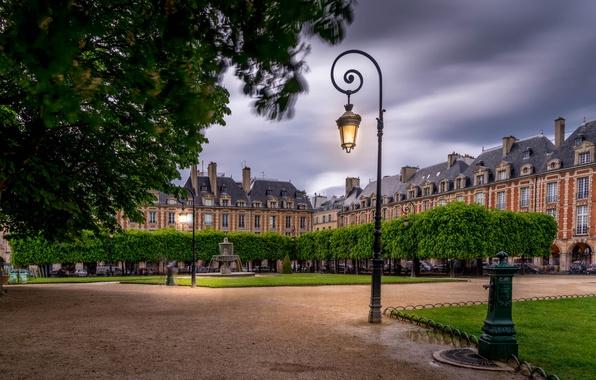 Картинка Франция, Париж, здания, площадь, фонарь, фонтан, Paris, France, Place des Vosges, Площадь Вогезов