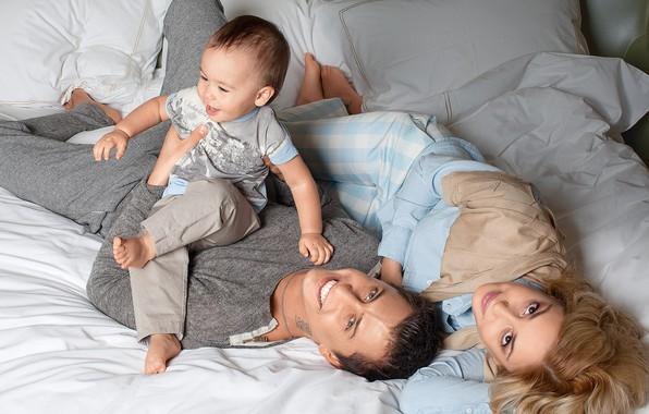 Картинка девушка, любовь, счастье, ребенок, семья, пара, мужчина, Агата Муцениеце, Павел Прилучный