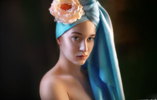Картинка цветок, взгляд, лицо, портрет, плечо, чёрный фон, тюрбан, Alexander Drobkov-Light, Виктория Рейн