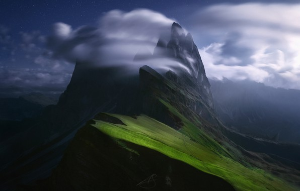 Картинка небо, звезды, облака, горы, ночь, склоны