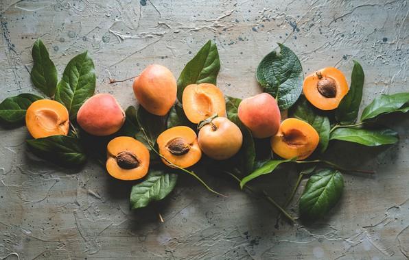 Картинка листья, половинки, абрикосы
