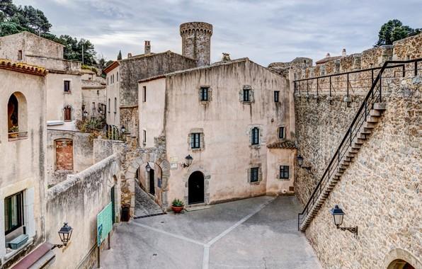 Картинка дом, стена, двор, Испания, Жирона