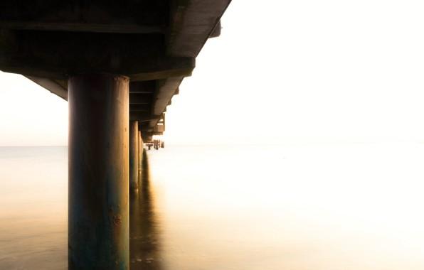 Картинка море, мост, туман