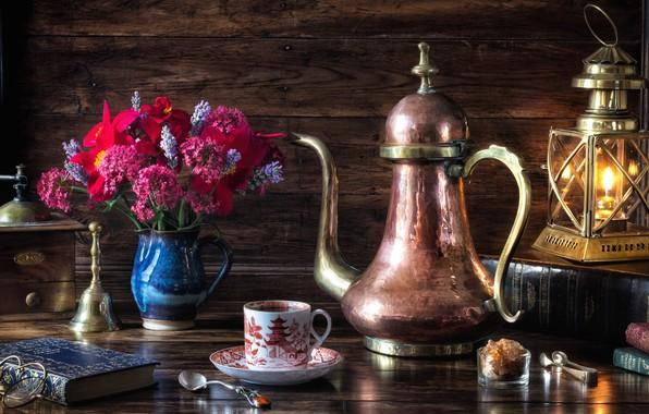 Картинка цветы, стиль, книги, лампа, кофе, букет, очки, фонарь, натюрморт, кофемолка, кофейник