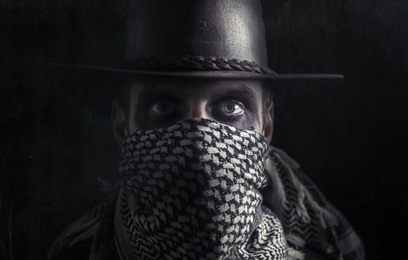 Картинка взгляд, человек, портрет, шляпа, маска, бандит