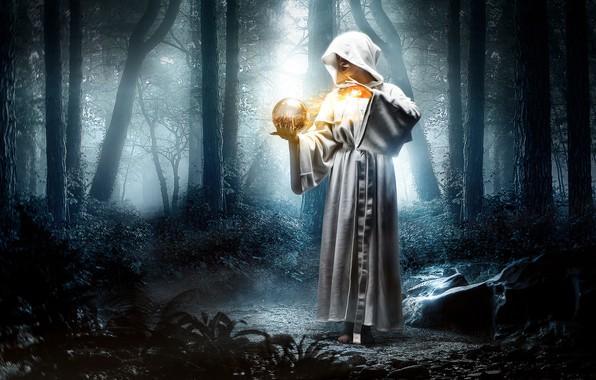 Картинка лес, девушка, фантазия, волшебство, магия, шар, ситуация, капюшон, халат