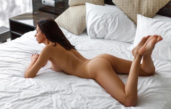 голые ножки в постели фото - 13