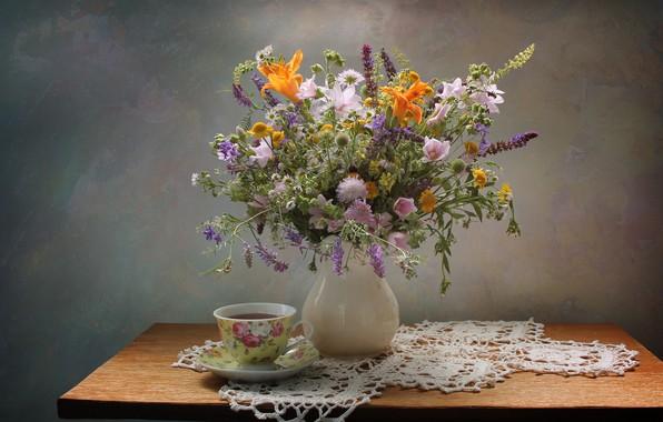 Картинка цветы, стол, фон, чай, чашка, ваза, натюрморт, скатерть