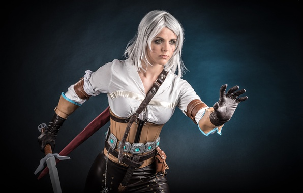 Картинка girl, sword, blood, game, The Witcher, woman, ken, wolf, blade, cosplay, book, blonde, pose, belt, …