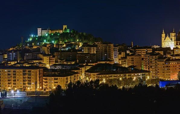 Фото обои деревья, ночь, огни, дома, фонари, Испания, Aragon, Alcaniz
