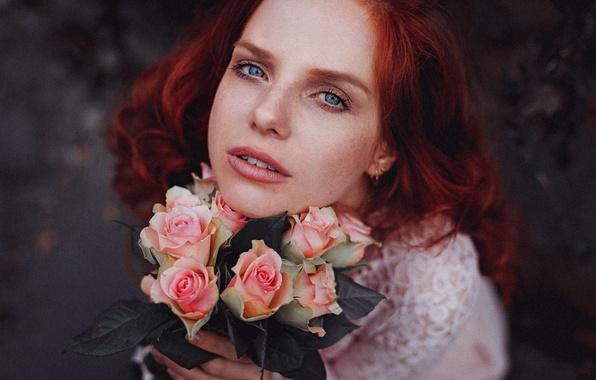 Картинка взгляд, девушка, цветы, настроение, розы, рыжая, рыжеволосая