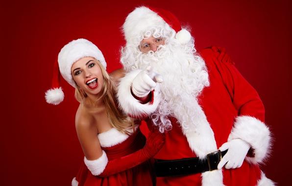 Картинка радость, красный, фон, настроение, праздник, шапка, рождество, макияж, платье, очки, прическа, блондинка, Новый год, перчатки, …